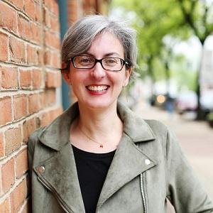 Community manager, auteure du Guide de survie alimentaire aux États-Unis, sommelière dans le chocolat